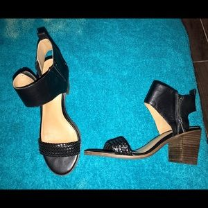 NWOT LUCKY BRAND BLACK LEATHER WEDGE SANDALS, 7.5M